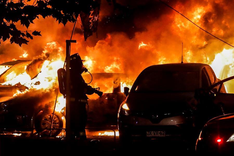 Saqueos, incendios y ataque a edificio oficial en protestas en Viña del Mar
