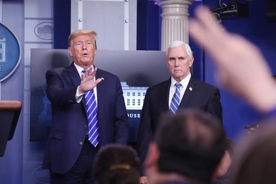 Casa Blanca y fabricante de desinfectantes reaccionan a los comentarios de Trump