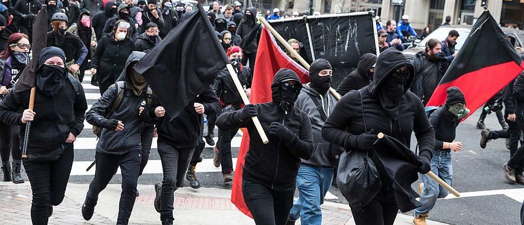 Claves para entender a los grupos extremistas detrás de las protestas