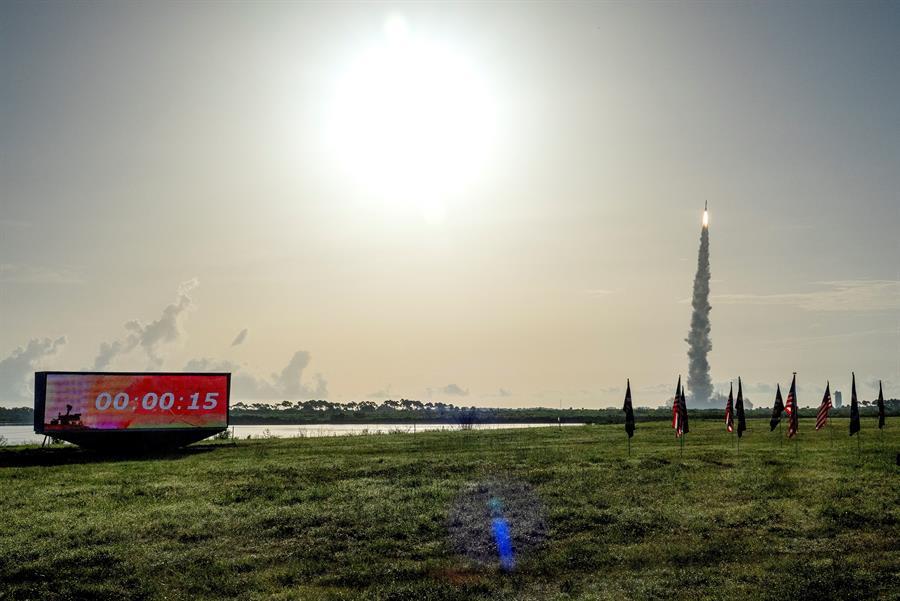 Despegue del cohete Atlas rumbo a Marte