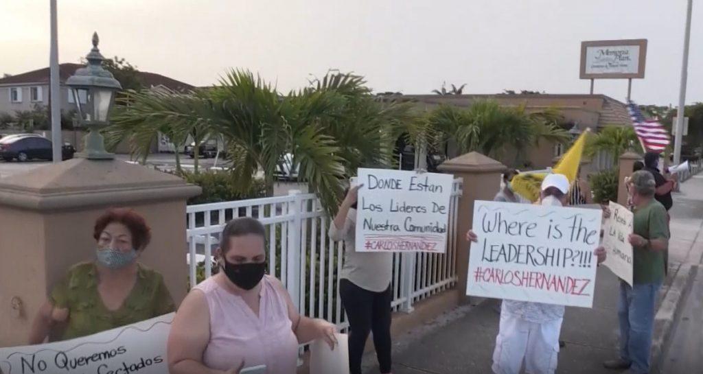 Vecinos exigen que se lleven el contenedor con cadáveres