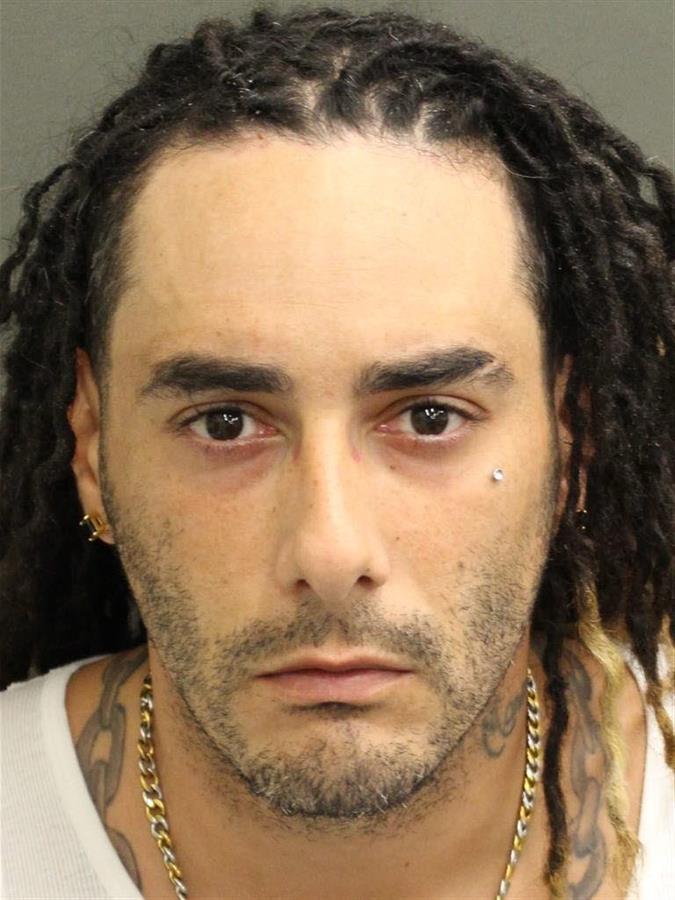 El uso de mascarillas desató la furia de un hombre en parque de Orlando