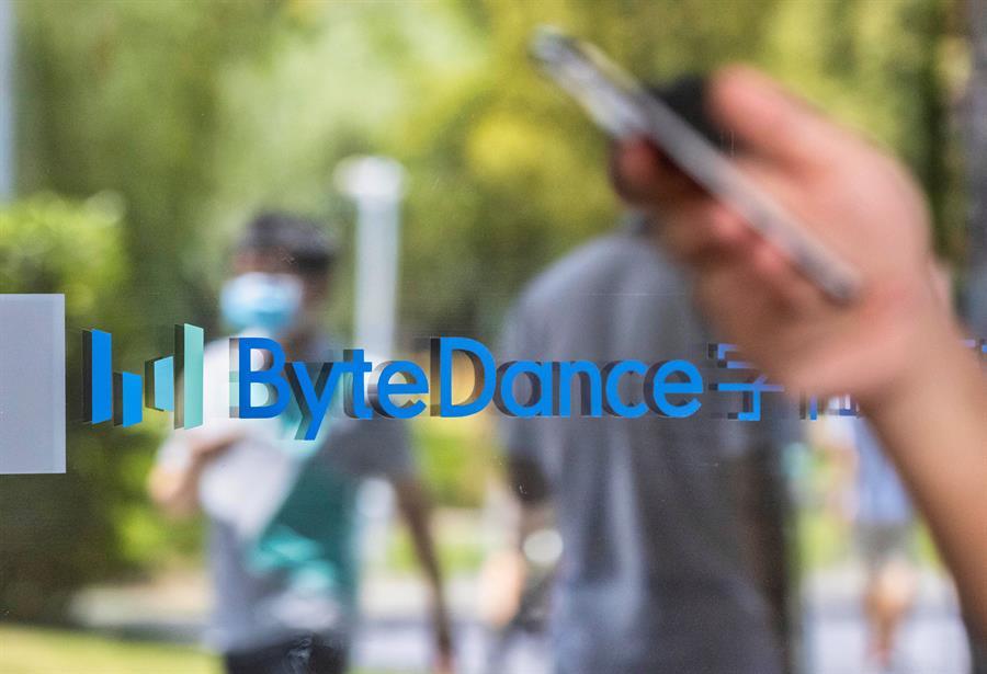 """Microsoft aún la quiere y ByteDance acusa a Facebook de """"copia"""": lo último de TikTok"""