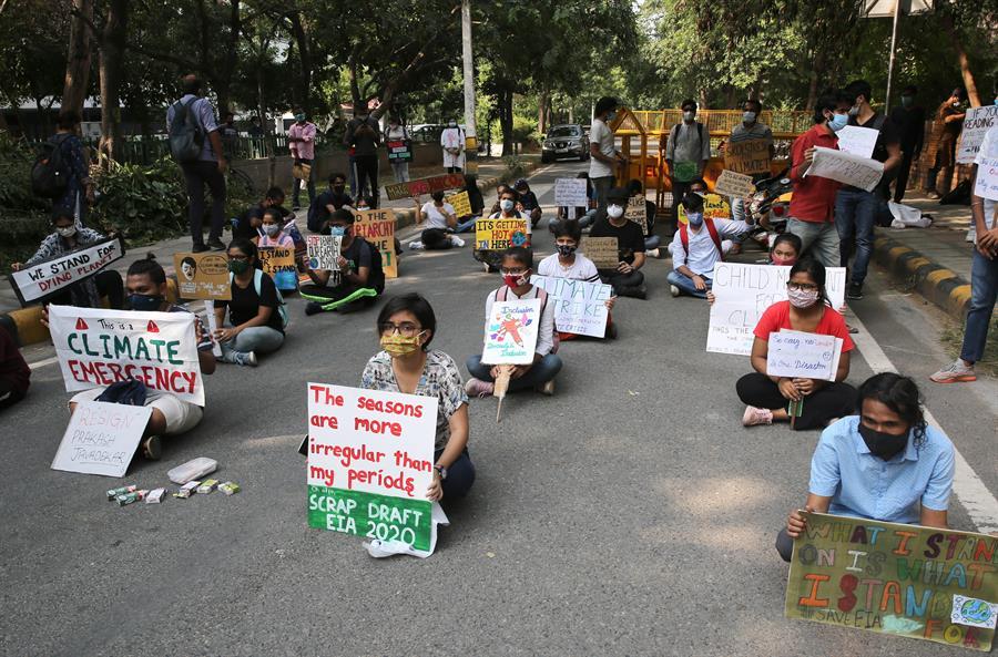 Jóvenes retan la pandemia para celebrar el Día de Acción por el Clima