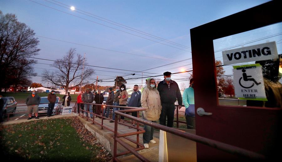 Electores hicieron fila para votar en algunos centros