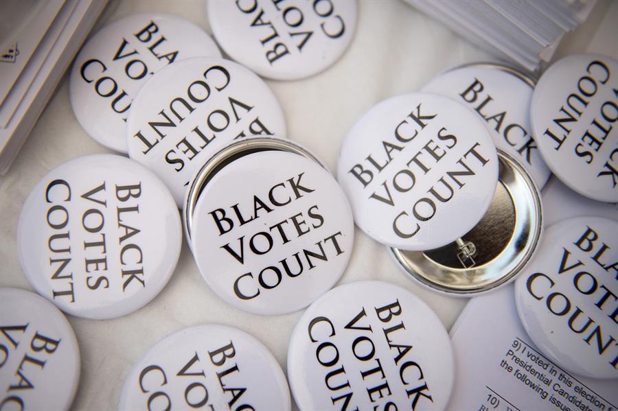 Botones de Black Votes Count en Filadelfia