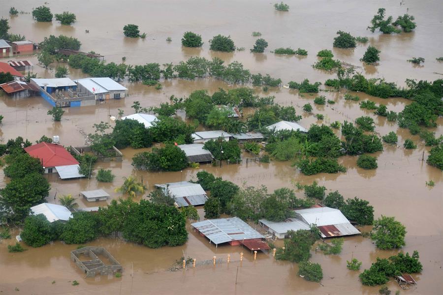 En Honduras se impusieron evacuaciones obligatorias