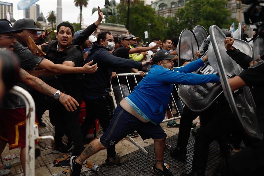 La policía custodia la Casa Rosada