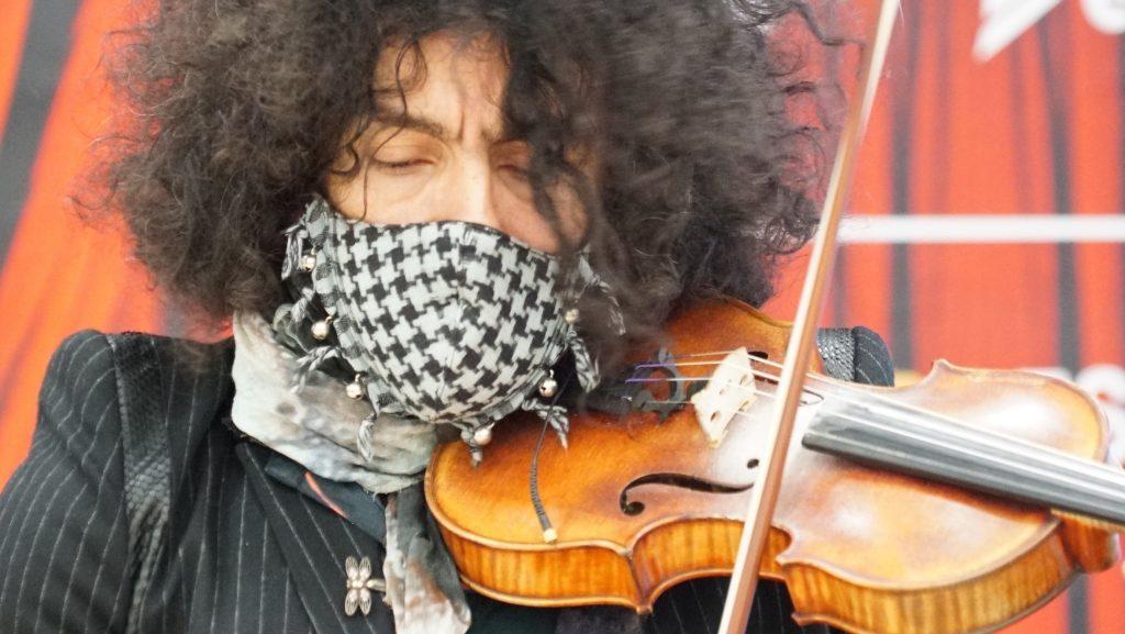 Malikian realiza conciertos en pequeños aforos durante la pandemia